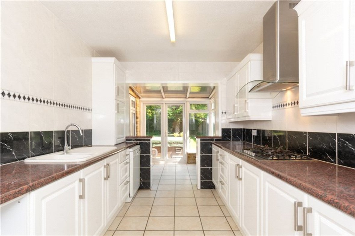 4 Bedrooms House For Sale in Falstaff Gardens, St. Albans, Hertfordshire - View 7 - Collinson Hall