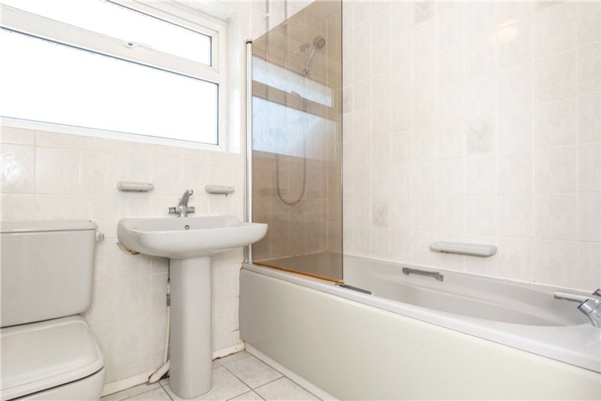 4 Bedrooms House For Sale in Falstaff Gardens, St. Albans, Hertfordshire - View 12 - Collinson Hall