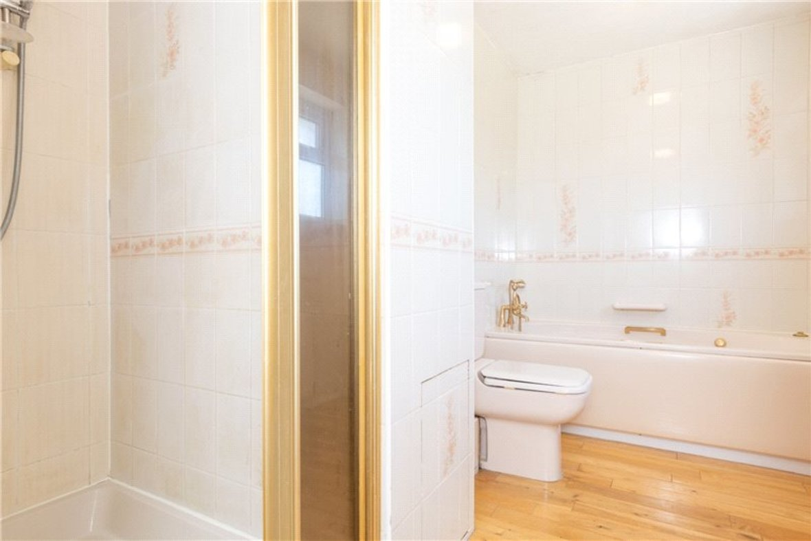 4 Bedrooms House For Sale in Falstaff Gardens, St. Albans, Hertfordshire - View 11 - Collinson Hall