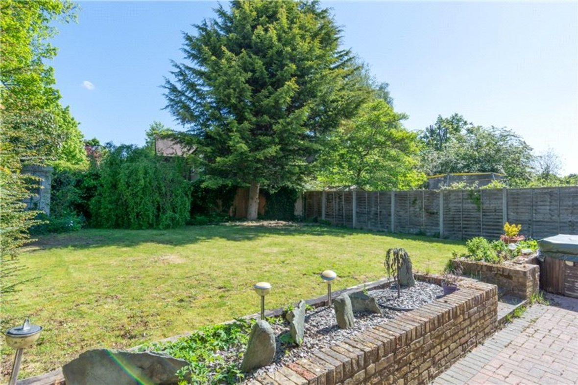 4 Bedrooms House For Sale in Falstaff Gardens, St. Albans, Hertfordshire - View 4 - Collinson Hall