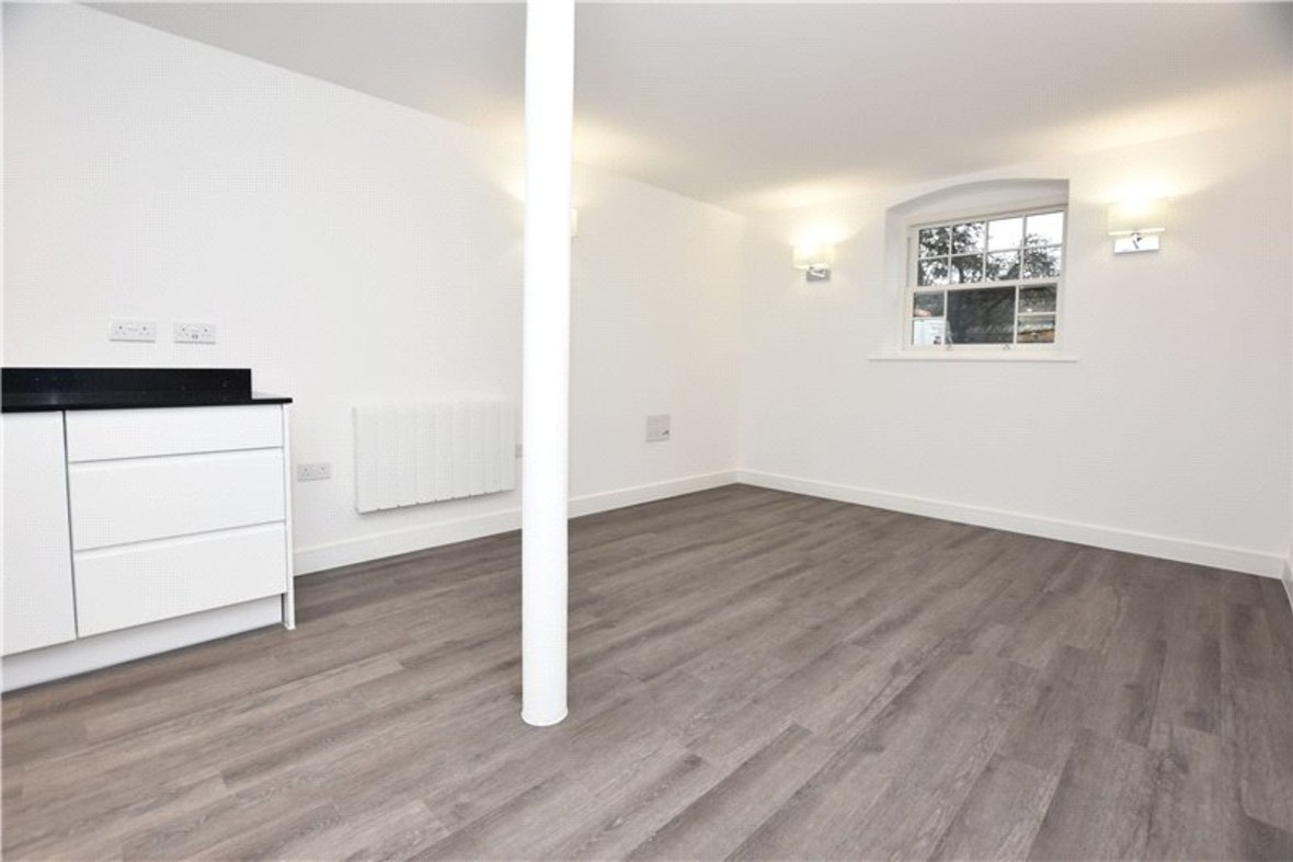 1 Bedroom Apartment Under Offer in Hansell House, Sutton Road, St. Albans, Hertfordshire - View 4 - Collinson Hall