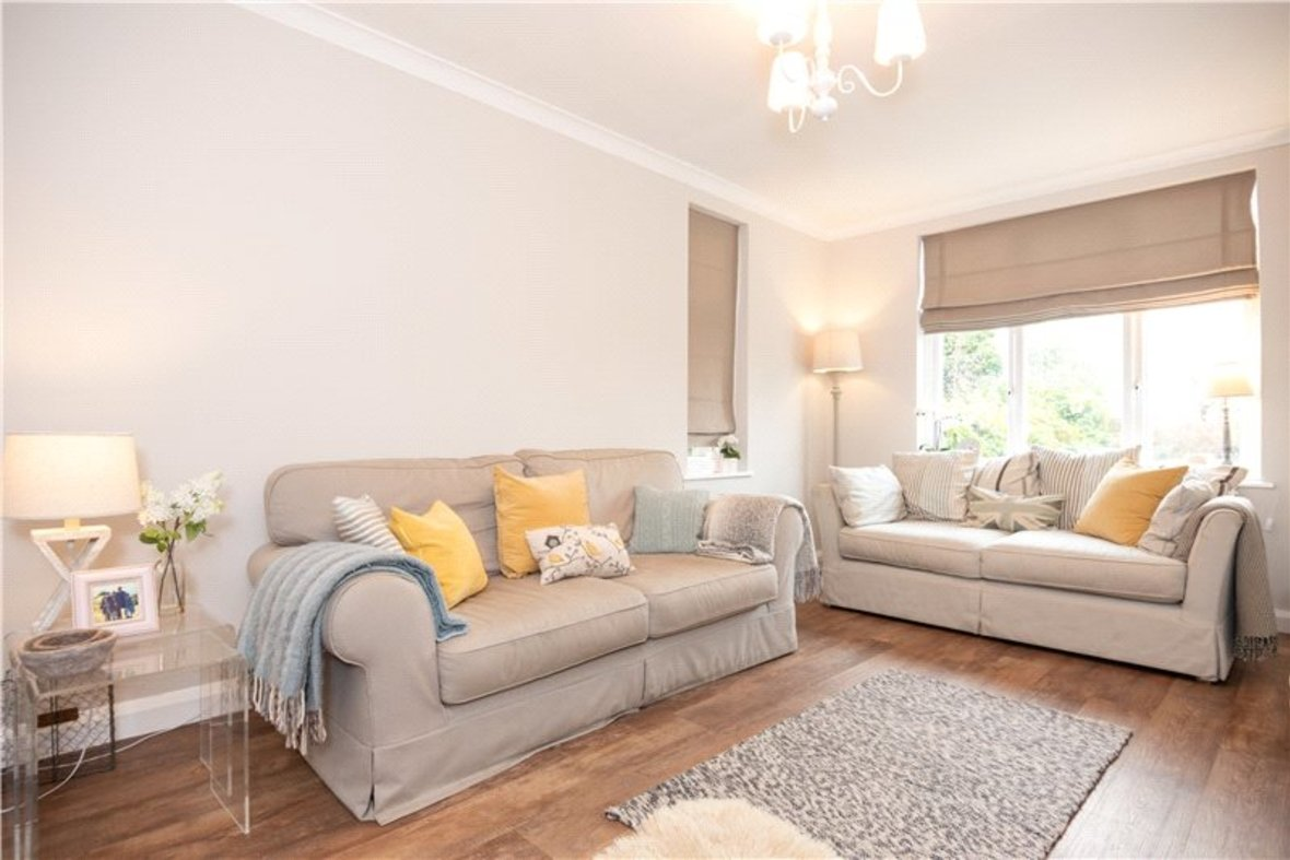 4 Bedrooms House Sold Subject To Contract in Sandridge Road, St. Albans, Hertfordshire - View 5 - Collinson Hall