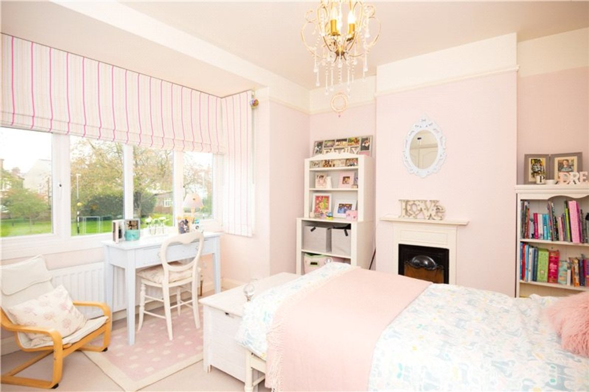 4 Bedrooms House Sold Subject To Contract in Sandridge Road, St. Albans, Hertfordshire - View 10 - Collinson Hall