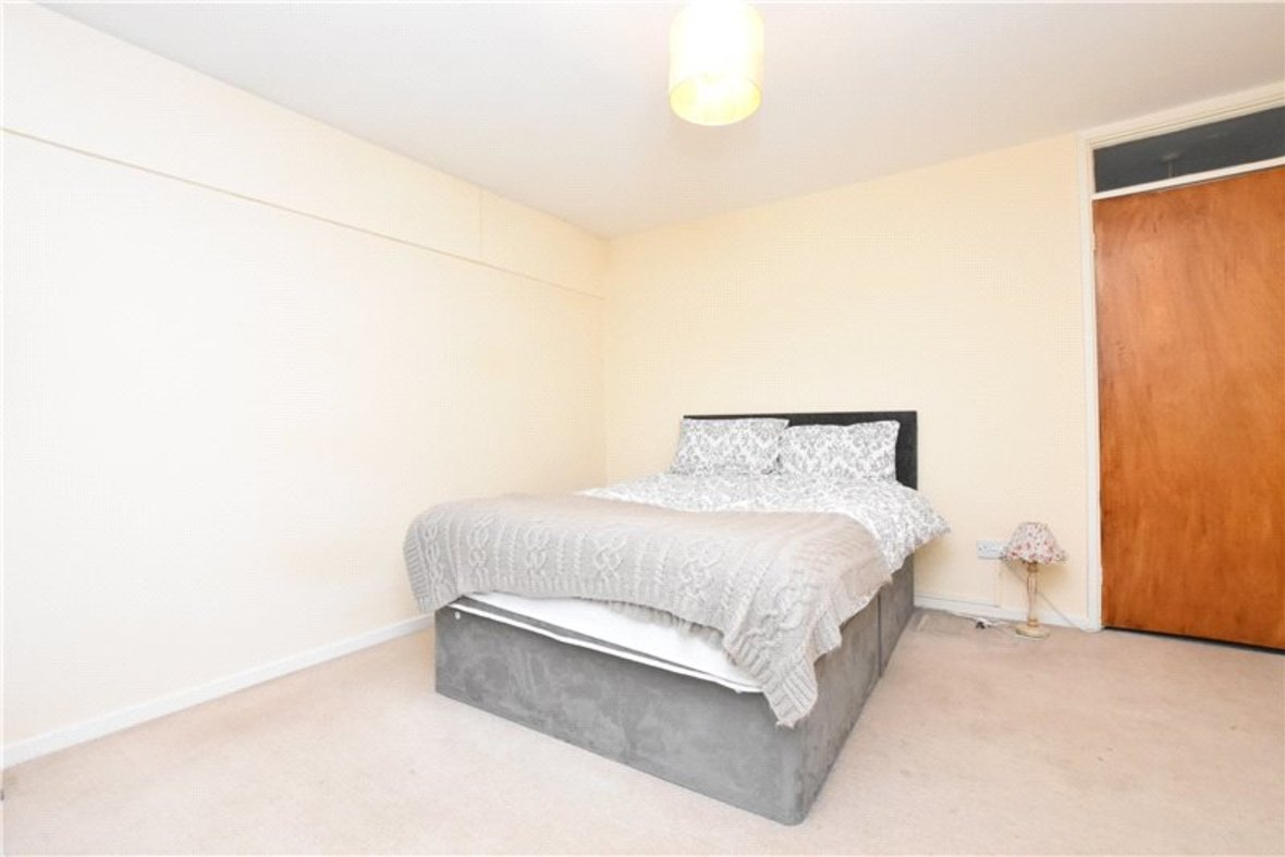 2 Bedrooms Apartment New Instruction in Thirlestane, Lemsford Road, St. Albans, Hertfordshire - View 6 - Collinson Hall