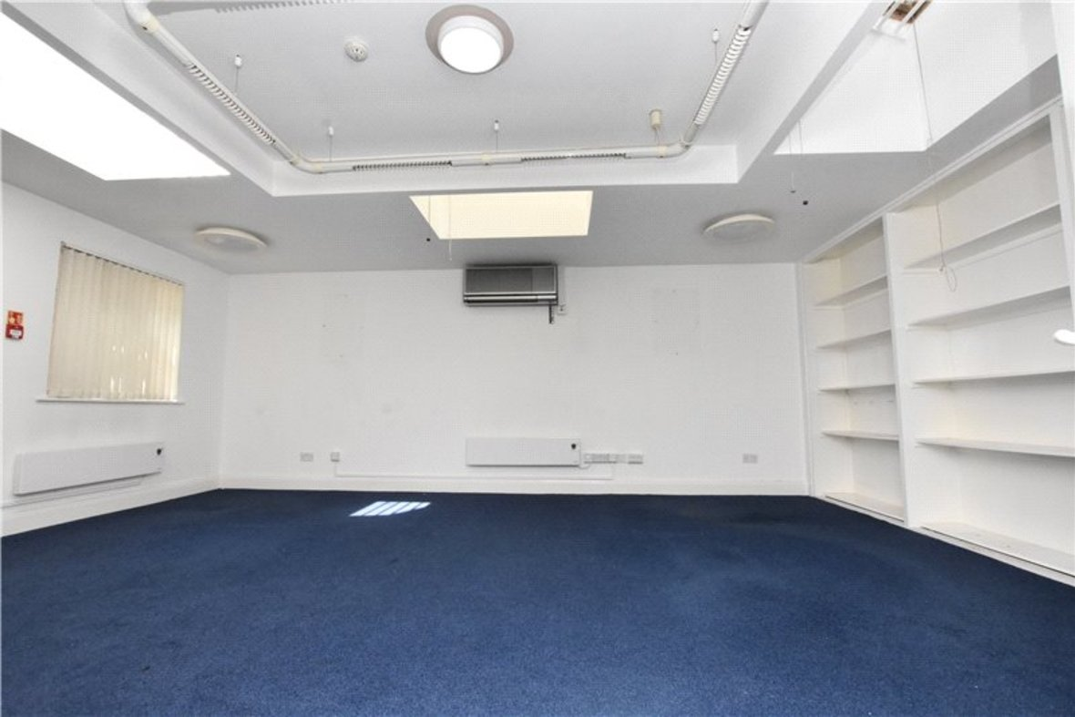 Commercial property Let in London Road, St. Albans, Hertfordshire - View 8 - Collinson Hall