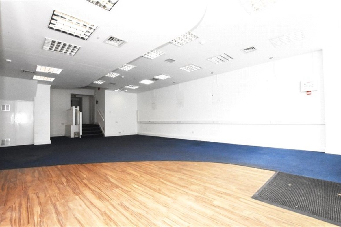 Commercial property Let in London Road, St. Albans, Hertfordshire - View 2 - Collinson Hall