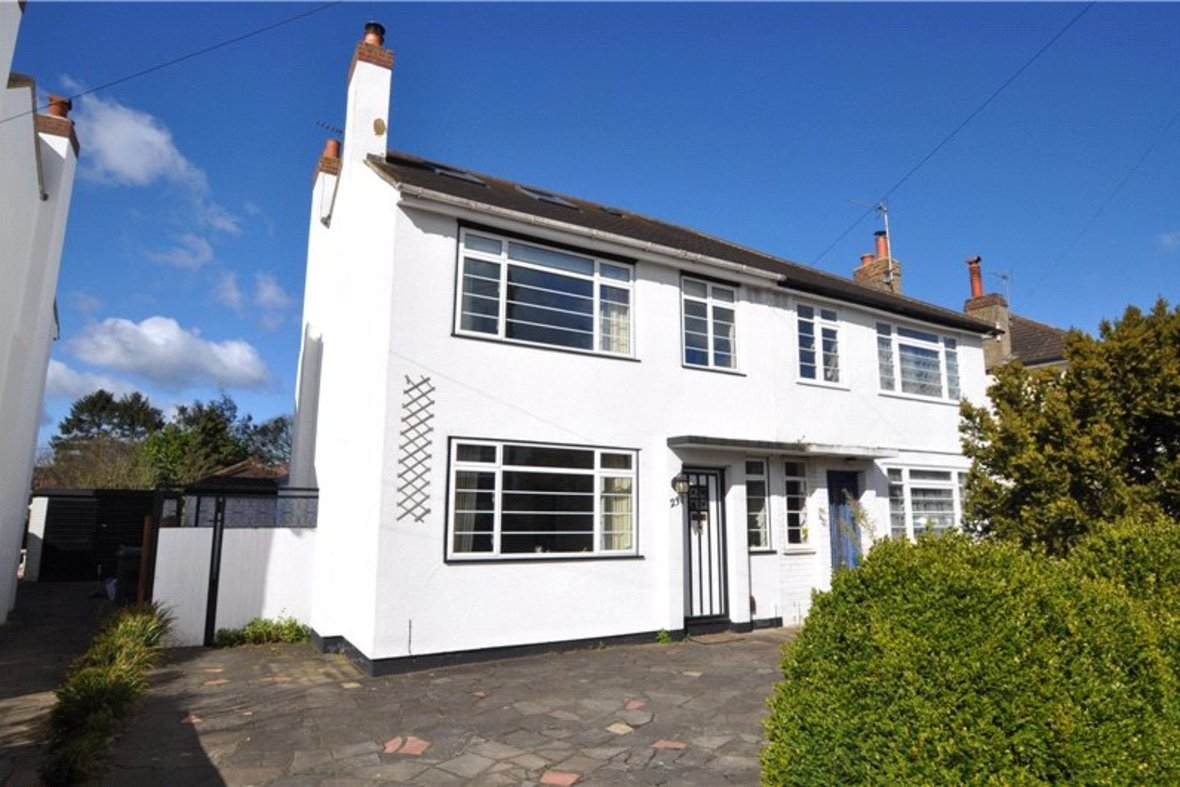 4 Bedrooms House Sold Subject To Contract in Oakwood Drive, St. Albans, Hertfordshire - View 1 - Collinson Hall