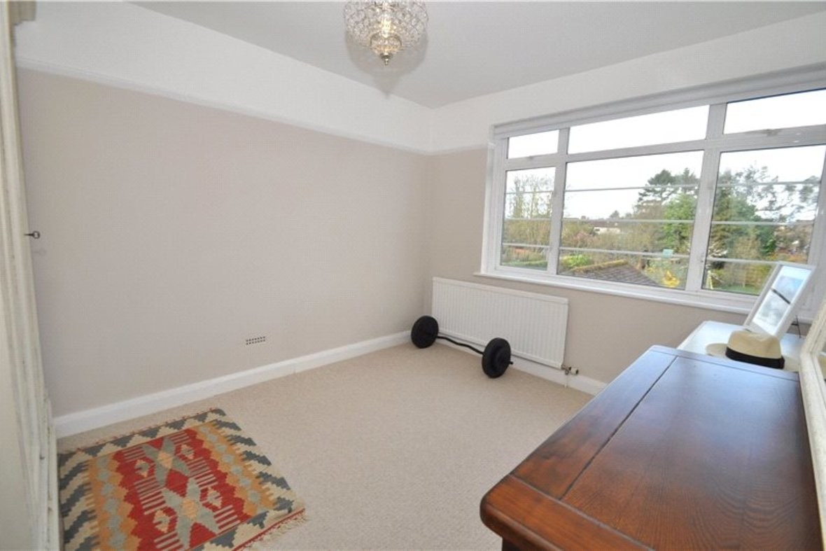 4 Bedrooms House Sold Subject To Contract in Oakwood Drive, St. Albans, Hertfordshire - View 11 - Collinson Hall