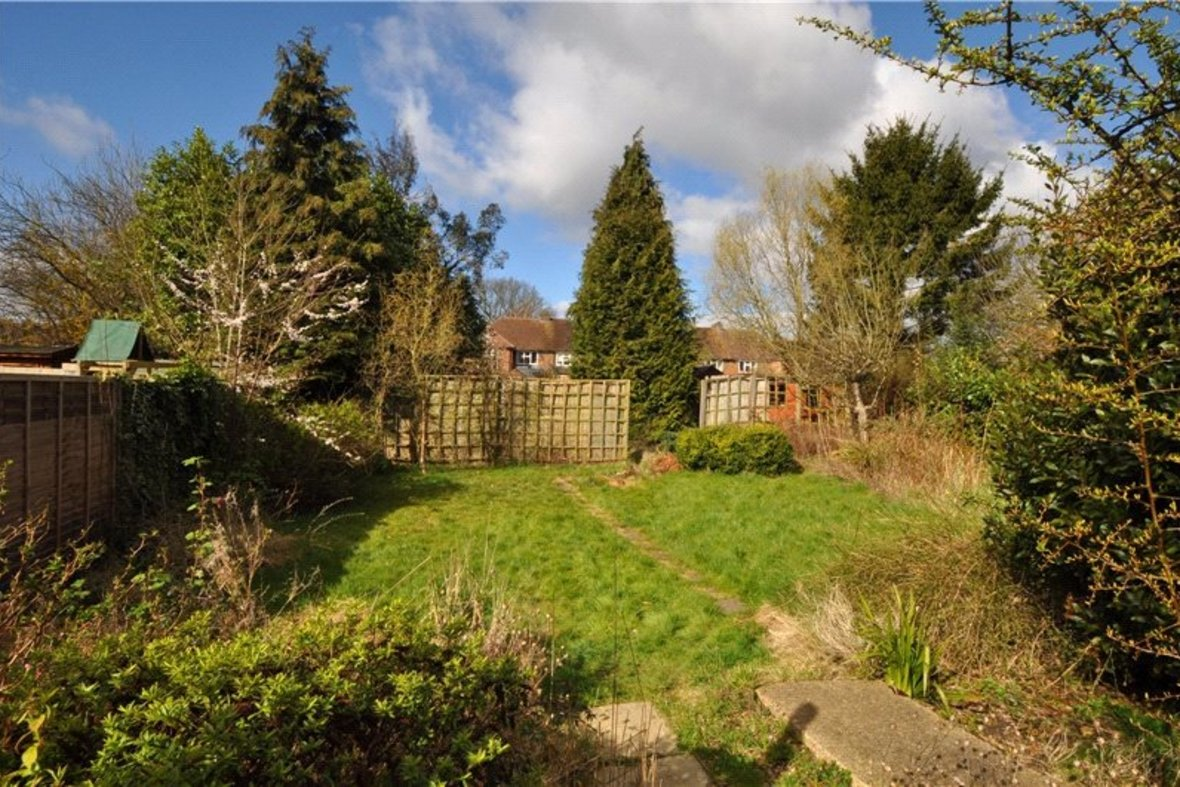 4 Bedrooms House Sold Subject To Contract in Oakwood Drive, St. Albans, Hertfordshire - View 16 - Collinson Hall