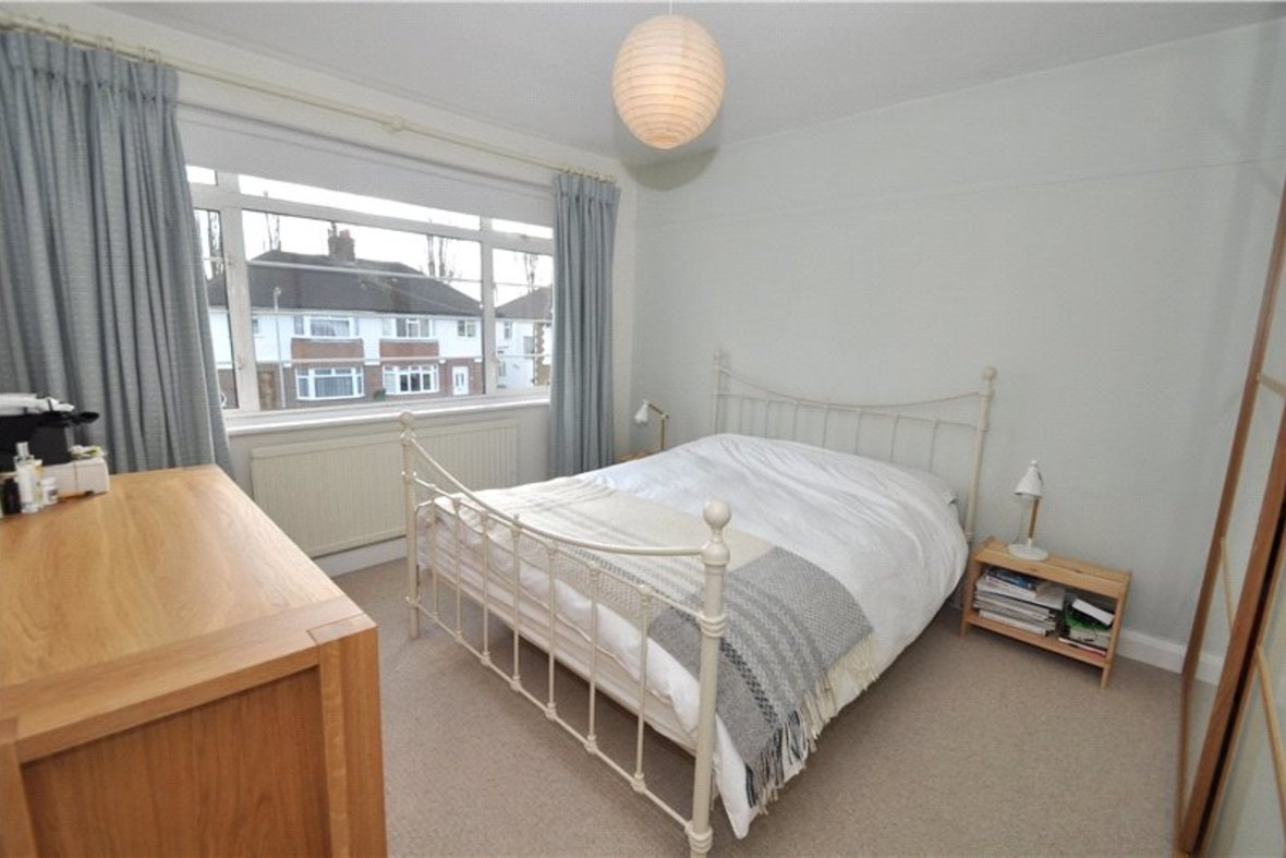 4 Bedrooms House Sold Subject To Contract in Oakwood Drive, St. Albans, Hertfordshire - View 9 - Collinson Hall