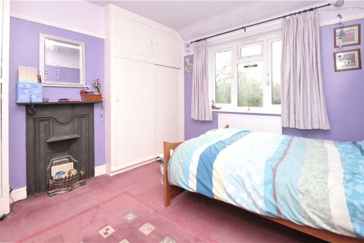 4 Bedroom House Sold Subject To Contract in Harpenden Road, St. Albans, Hertfordshire - View 8 - Collinson Hall