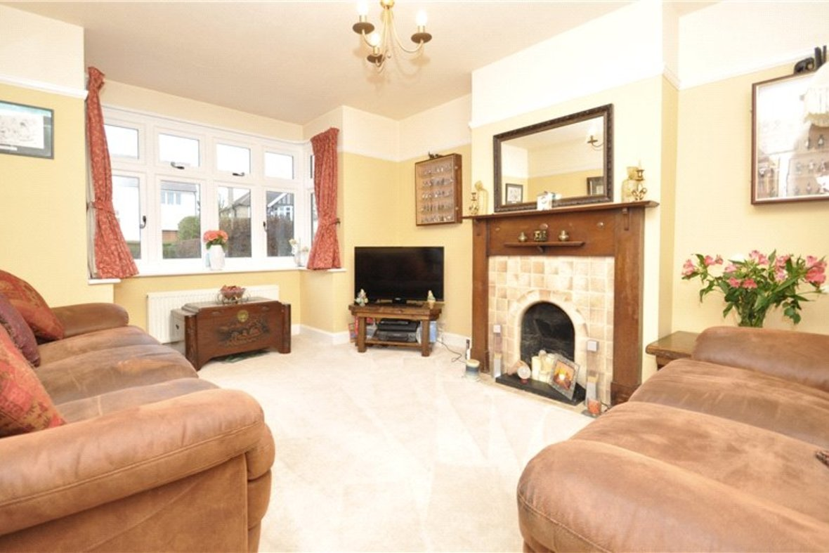 4 Bedroom House Sold Subject To Contract in Harpenden Road, St. Albans, Hertfordshire - View 2 - Collinson Hall