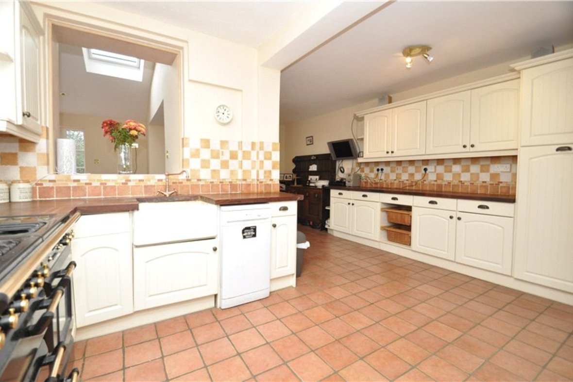 4 Bedroom House Sold Subject To Contract in Harpenden Road, St. Albans, Hertfordshire - View 3 - Collinson Hall