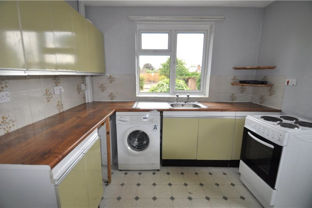 2 Bedrooms Bungalow New Instruction in Stanley Avenue, St. Albans, Hertfordshire - View 6 - Collinson Hall