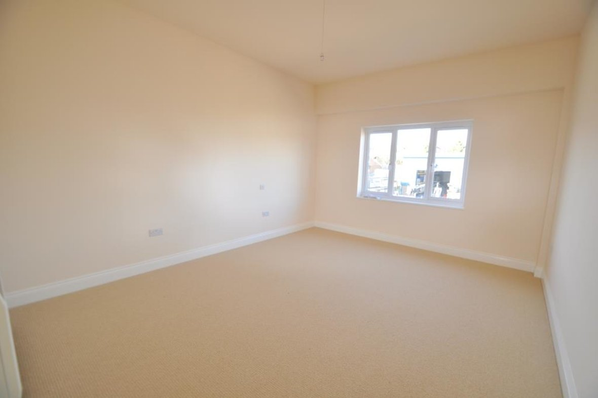 3 Bedrooms Apartment New Instruction in Grove Road, Harpenden, Hertfordshire - View 5 - Collinson Hall