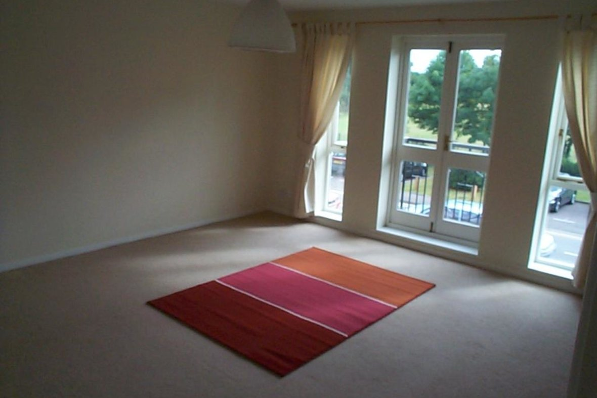 2 Bedrooms Apartment Let in Windsor Court, Park View Close, St. Albans, Hertfordshire - View 3 - Collinson Hall