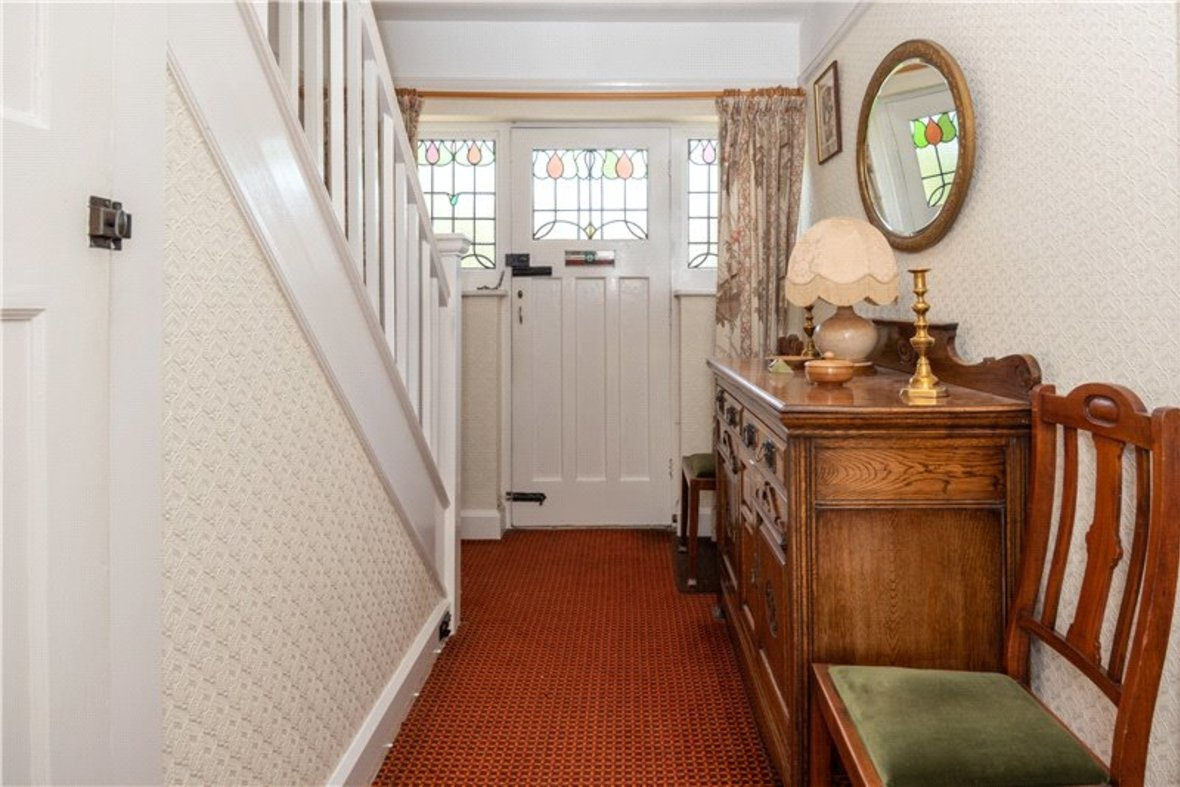 3 Bedrooms House Sold Subject To Contract in Sandridge Road, St. Albans, Hertfordshire - View 5 - Collinson Hall