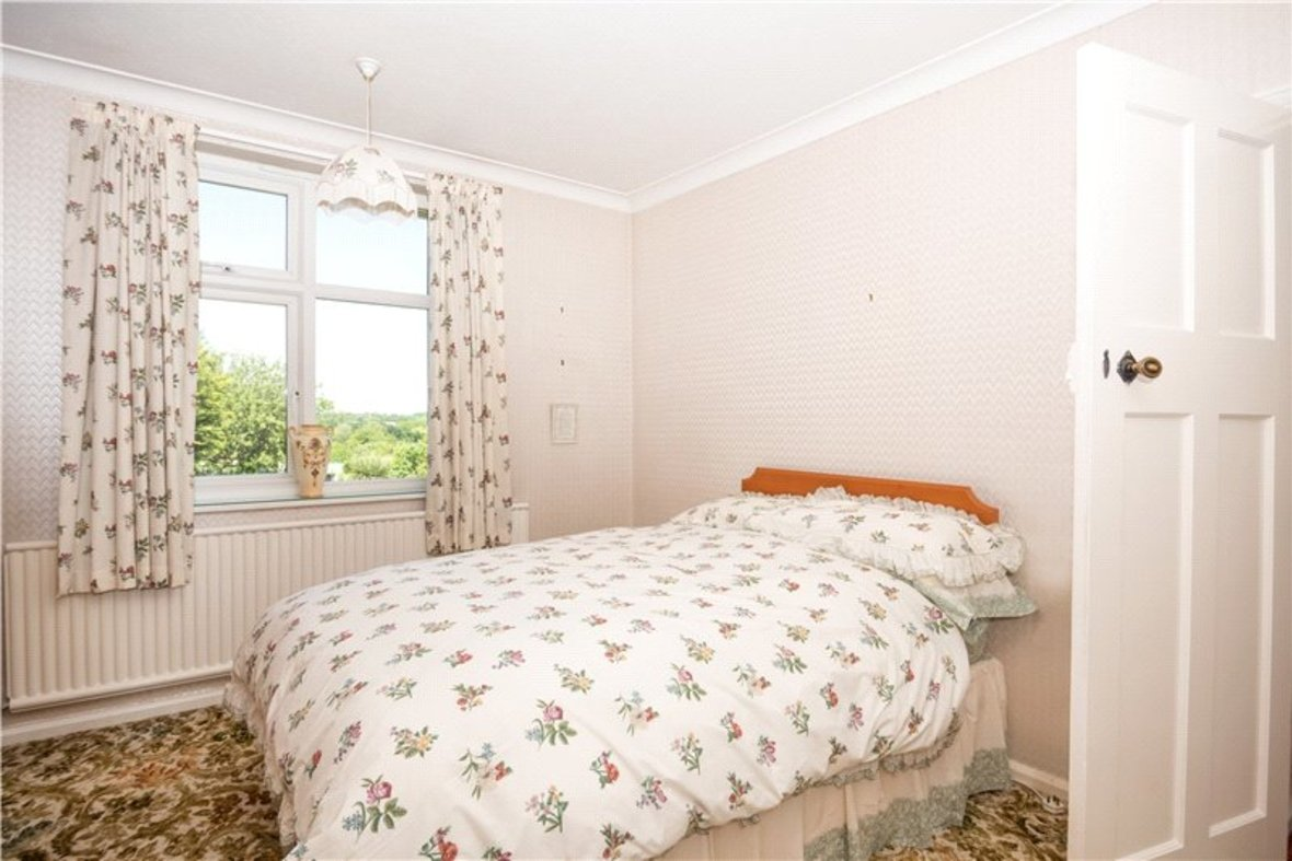 3 Bedrooms House Sold Subject To Contract in Sandridge Road, St. Albans, Hertfordshire - View 8 - Collinson Hall