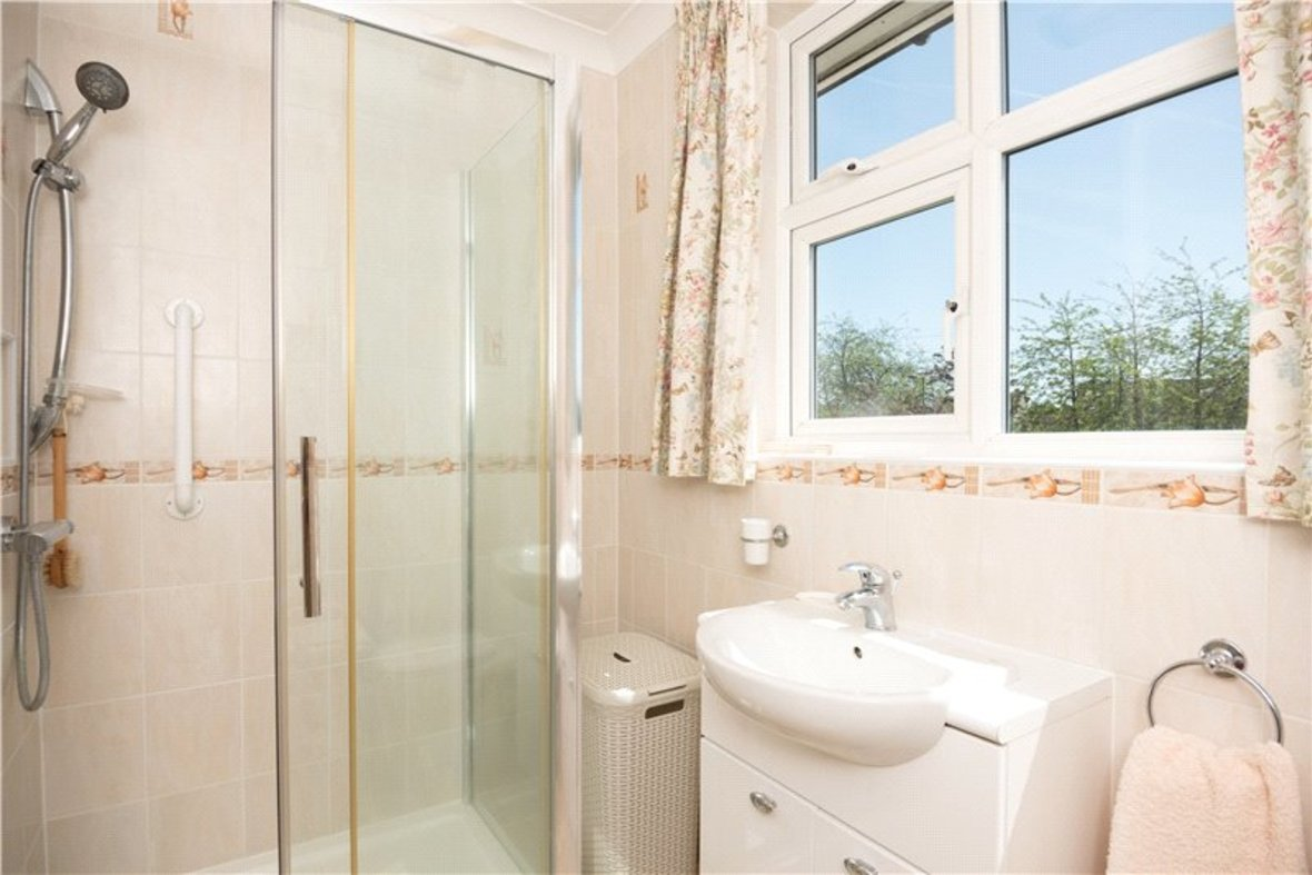 3 Bedrooms House Sold Subject To Contract in Sandridge Road, St. Albans, Hertfordshire - View 10 - Collinson Hall