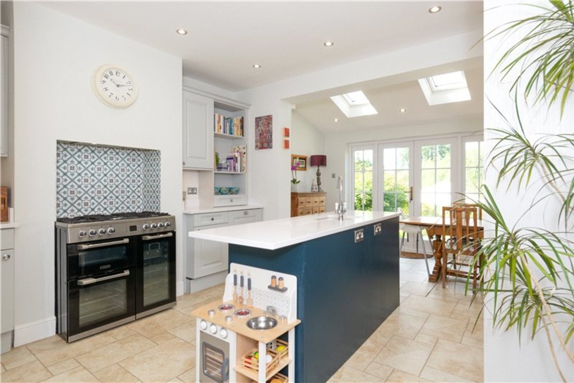 3 Bedrooms House Sold Subject To Contract in Riverside Road, St. Albans, Hertfordshire - View 3 - Collinson Hall