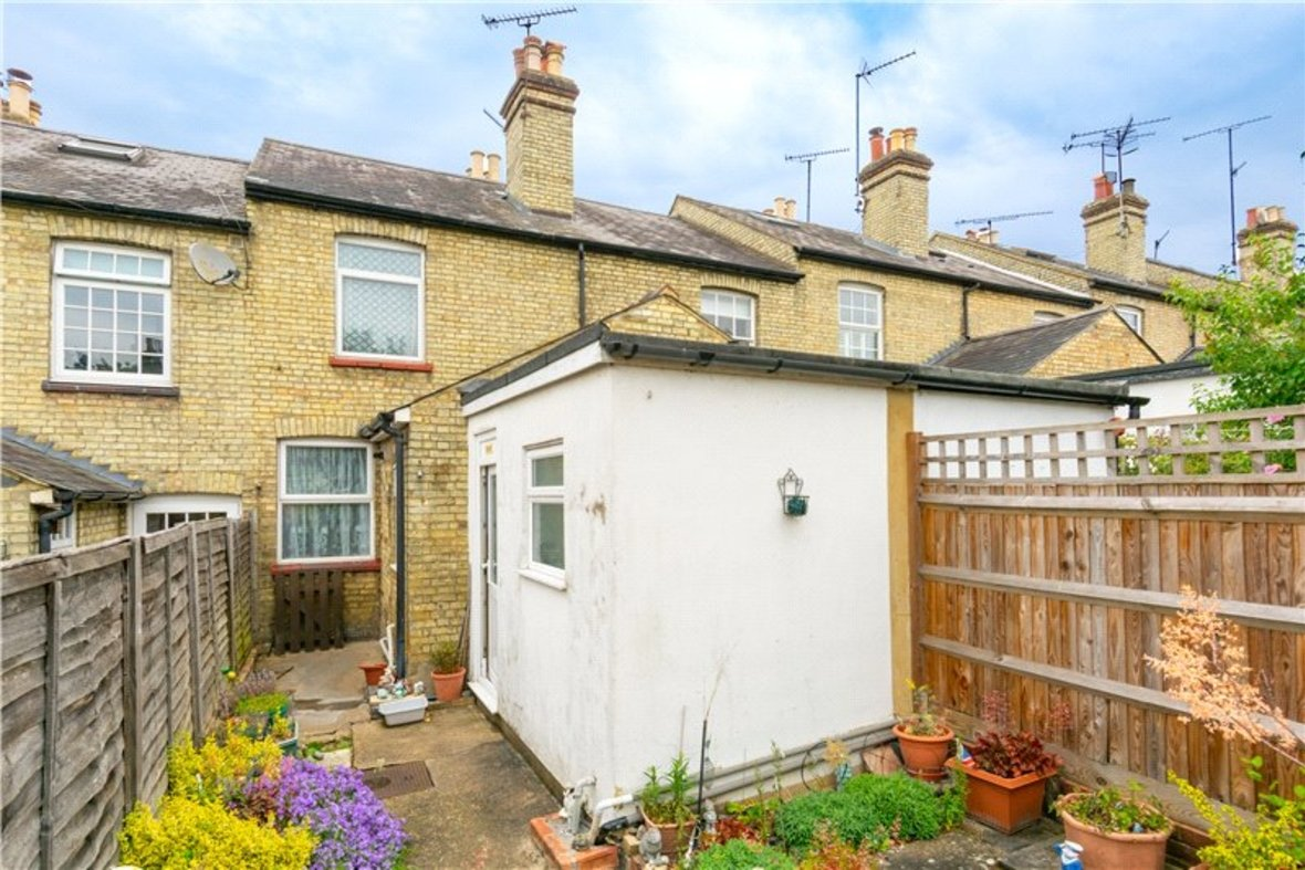 2 Bedrooms House For Sale in Thornton Street, St. Albans, Hertfordshire - View 8 - Collinson Hall