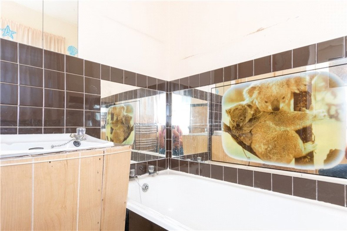 2 Bedrooms House For Sale in Thornton Street, St. Albans, Hertfordshire - View 9 - Collinson Hall