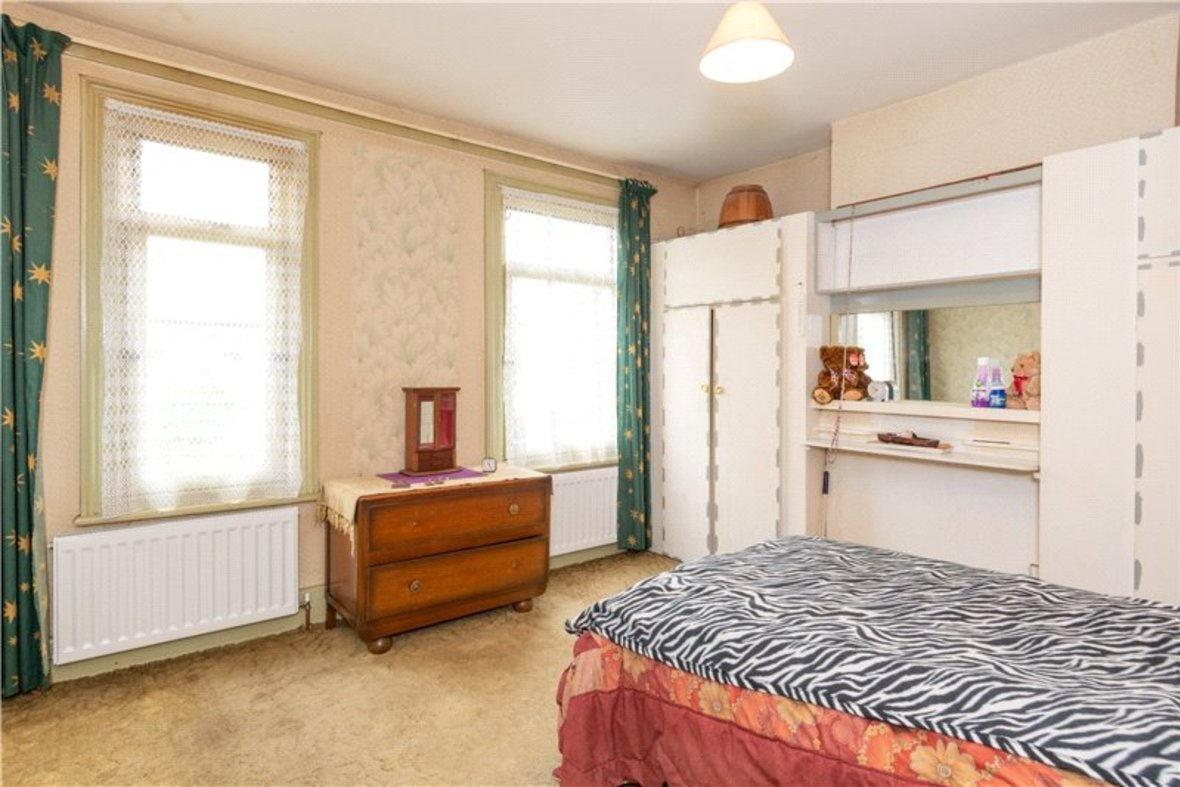 2 Bedrooms House For Sale in Thornton Street, St. Albans, Hertfordshire - View 11 - Collinson Hall