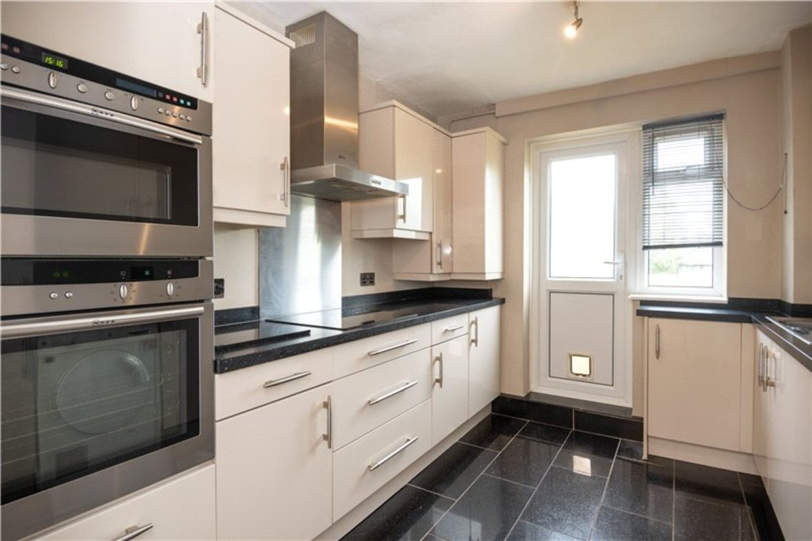 2 Bedroom Maisonette For Sale in Wallingford Walk, St. Albans, Hertfordshire - View 2 - Collinson Hall