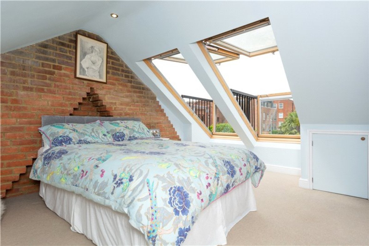 4 Bedrooms House New Instruction in Liverpool Road, St. Albans, Hertfordshire - View 14 - Collinson Hall