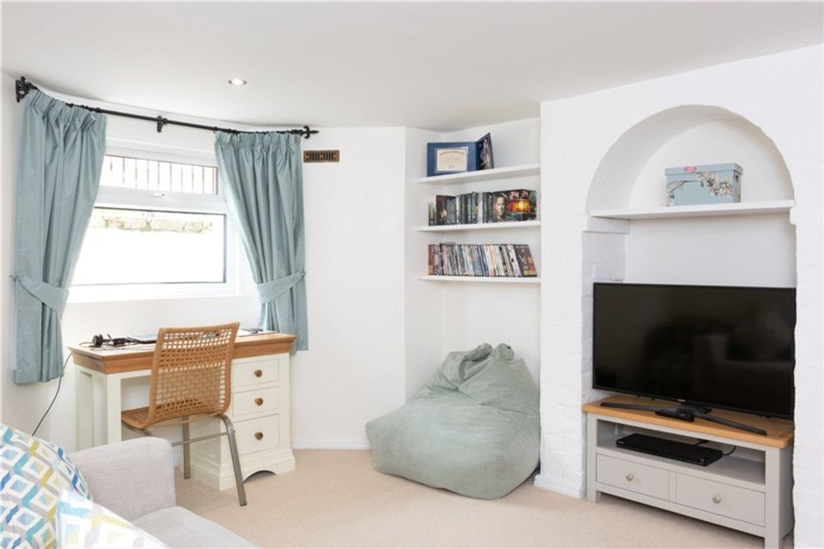4 Bedrooms House New Instruction in Liverpool Road, St. Albans, Hertfordshire - View 7 - Collinson Hall
