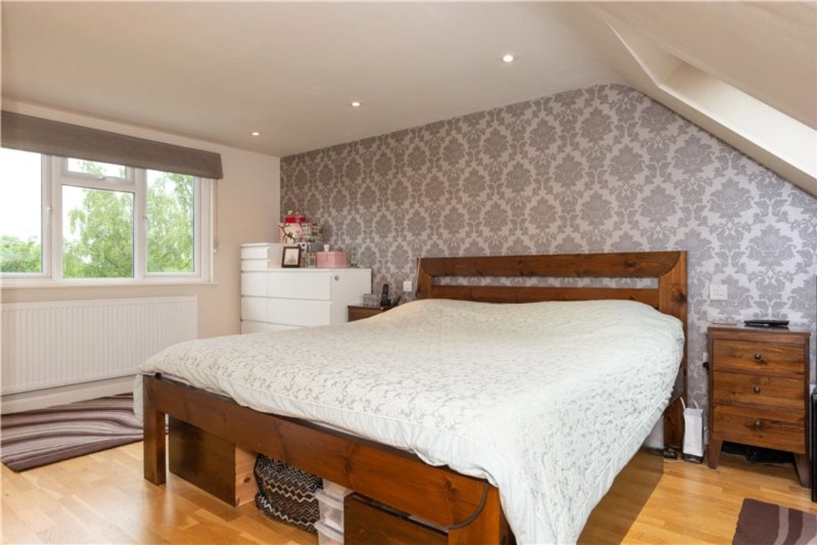 4 Bedroom House For Sale in Gurney Court Road, St Albans, Hertfordshire - View 5 - Collinson Hall
