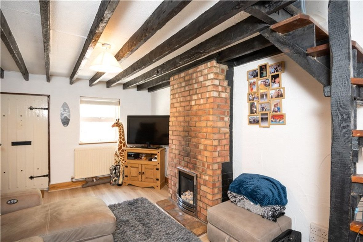2 Bedrooms House New Instruction in High Street, Sandridge, St. Albans, Hertfordshire - View 3 - Collinson Hall