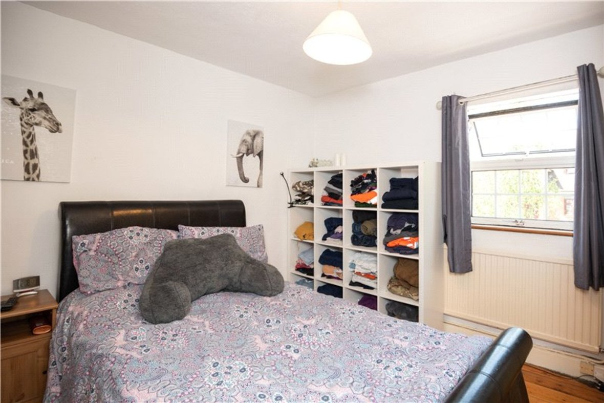 2 Bedrooms House New Instruction in High Street, Sandridge, St. Albans, Hertfordshire - View 8 - Collinson Hall