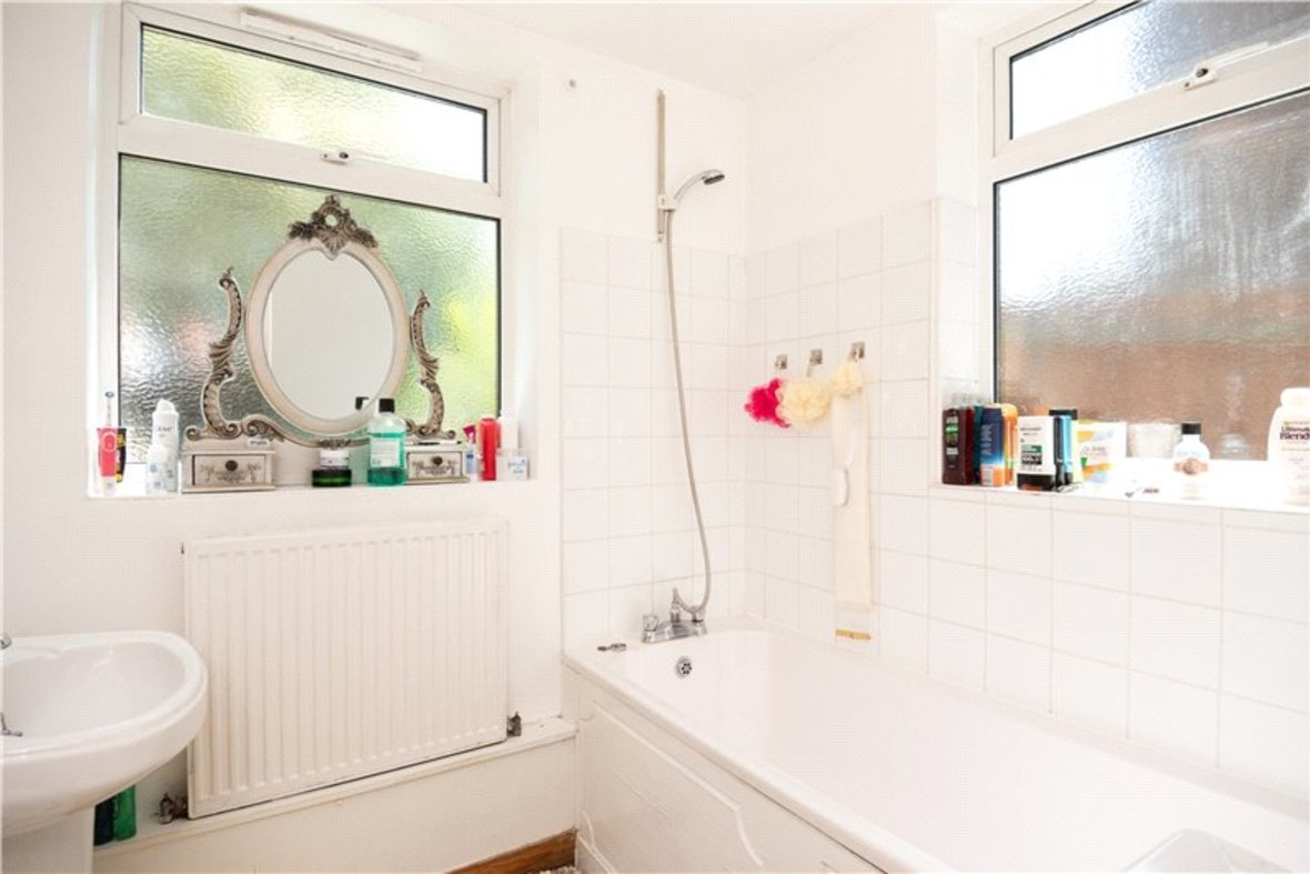 2 Bedrooms House New Instruction in High Street, Sandridge, St. Albans, Hertfordshire - View 5 - Collinson Hall