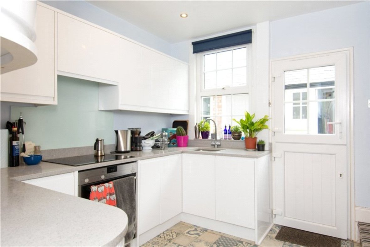 2 Bedrooms House Sold Subject To Contract in Alexandra Road, St. Albans, Hertfordshire - View 4 - Collinson Hall