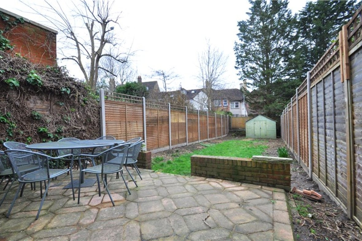 3 Bedroom House Sold Subject To Contract in Worley Road, St. Albans, Hertfordshire - View 16 - Collinson Hall