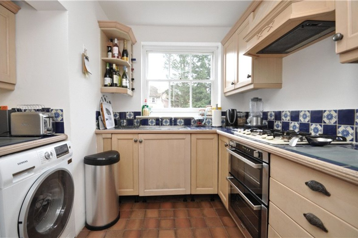 3 Bedrooms House Sold Subject To Contract in Worley Road, St. Albans, Hertfordshire - View 7 - Collinson Hall