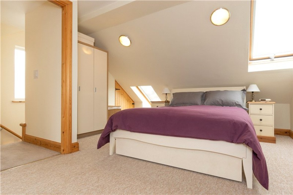 4 Bedrooms House For Sale in Tavistock Avenue, St. Albans, Hertfordshire - View 15 - Collinson Hall