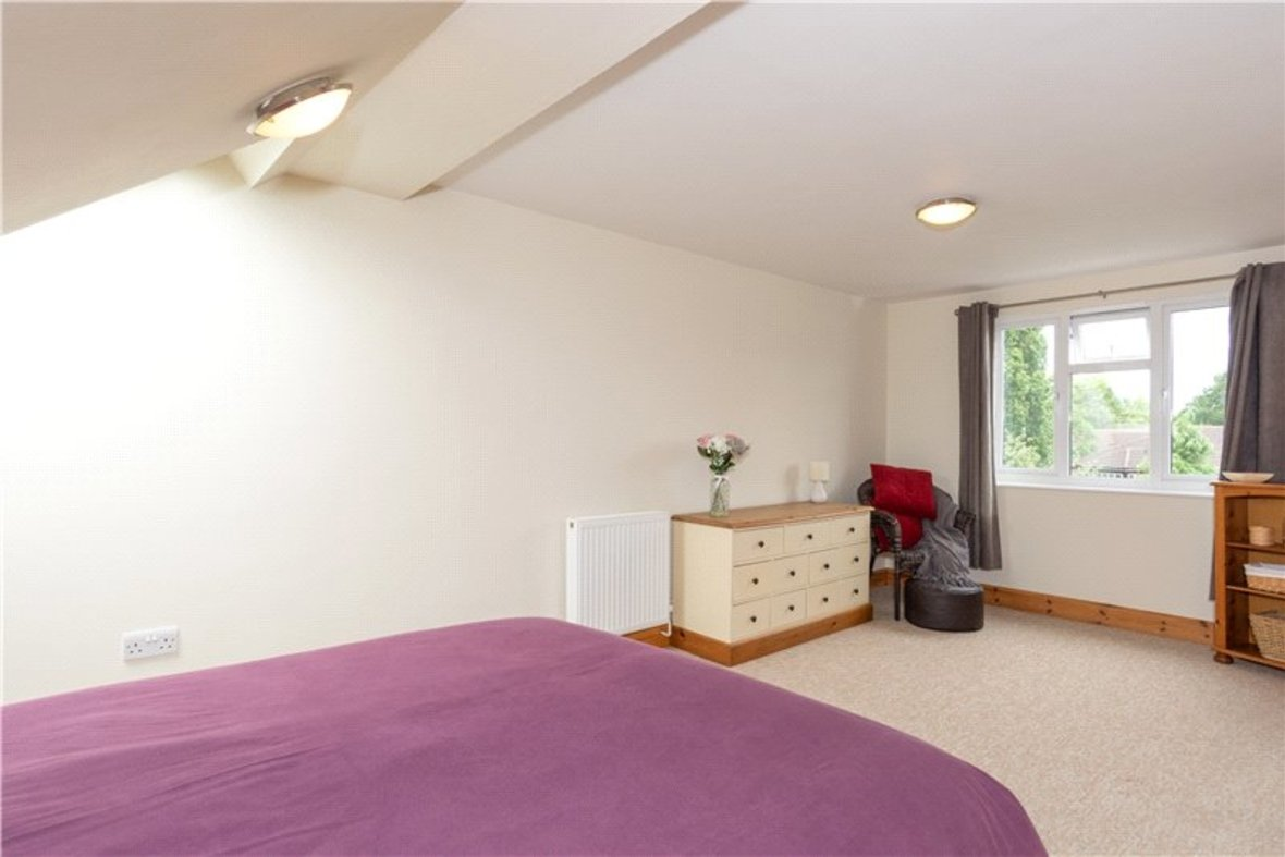 4 Bedrooms House For Sale in Tavistock Avenue, St. Albans, Hertfordshire - View 9 - Collinson Hall