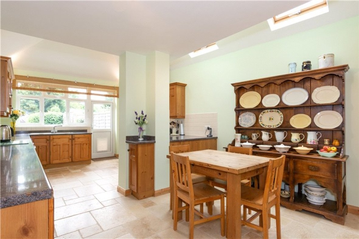 4 Bedrooms House For Sale in Tavistock Avenue, St. Albans, Hertfordshire - View 3 - Collinson Hall
