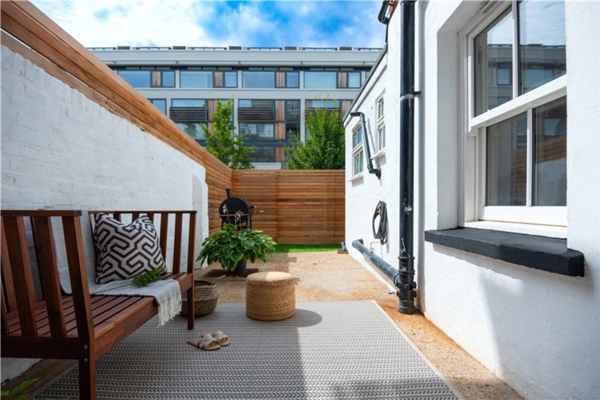 1 Bedroom Apartment Sold Subject To Contract in Alma Road, St. Albans, Hertfordshire - View 5 - Collinson Hall