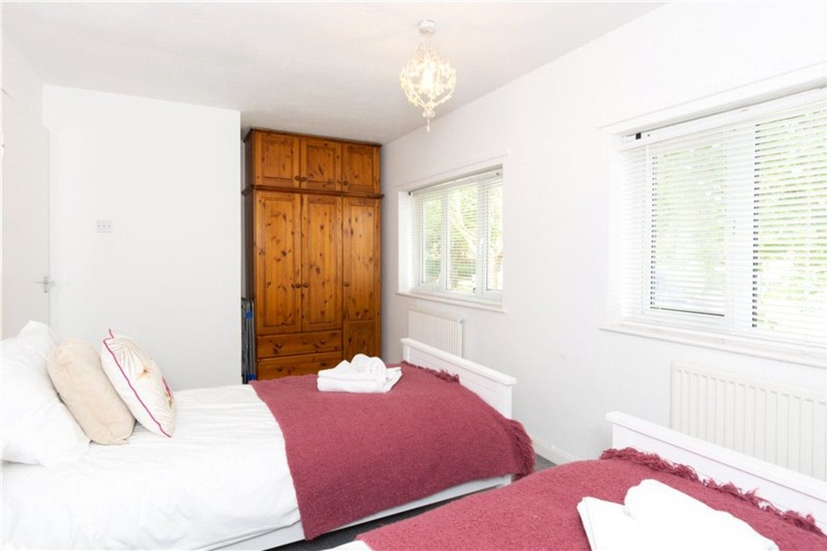 2 Bedroom House For Sale in Drakes Drive, St Albans City, St Albans - View 12 - Collinson Hall