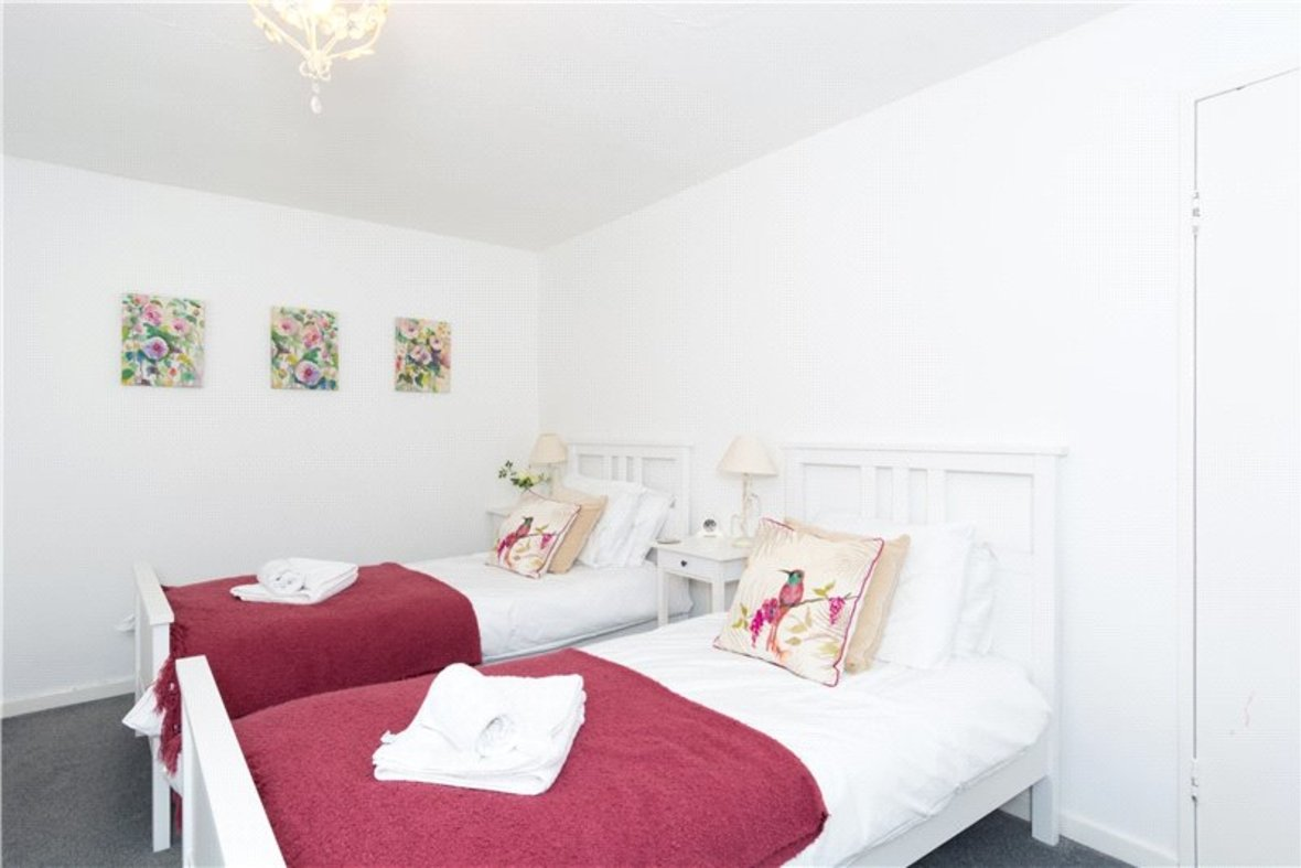 2 Bedroom House For Sale in Drakes Drive, St Albans City, St Albans - View 8 - Collinson Hall