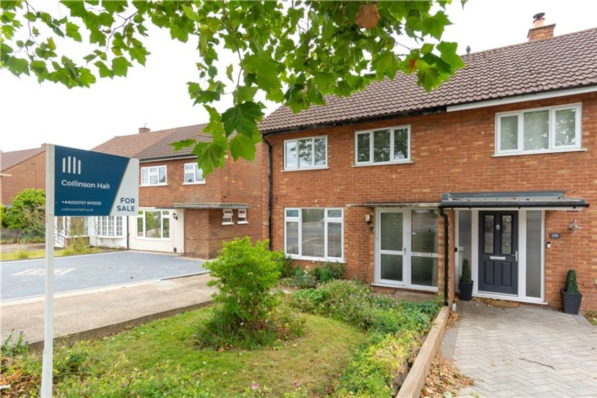 2 Bedroom House For Sale in Drakes Drive, St Albans City, St Albans - View 1 - Collinson Hall