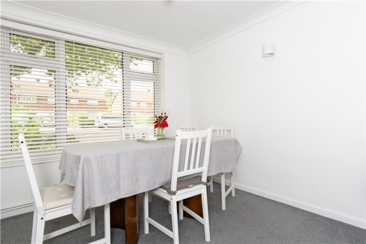 2 Bedroom House For Sale in Drakes Drive, St Albans City, St Albans - View 15 - Collinson Hall
