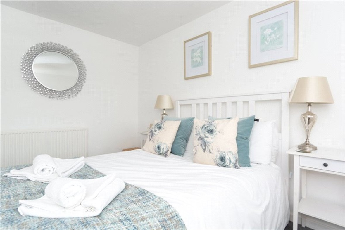 2 Bedroom House For Sale in Drakes Drive, St Albans City, St Albans - View 9 - Collinson Hall