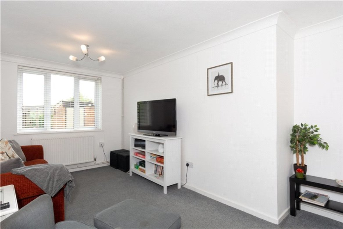 2 Bedroom House For Sale in Drakes Drive, St Albans City, St Albans - View 3 - Collinson Hall