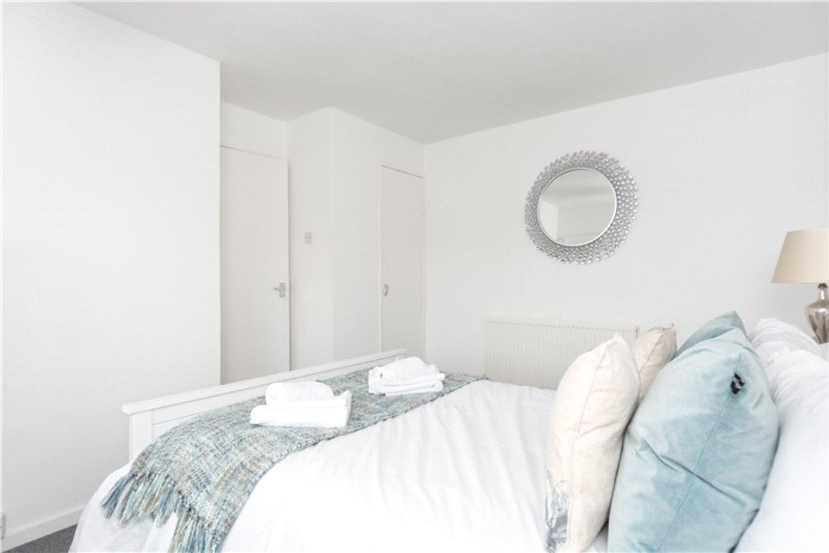 2 Bedroom House For Sale in Drakes Drive, St Albans City, St Albans - View 11 - Collinson Hall