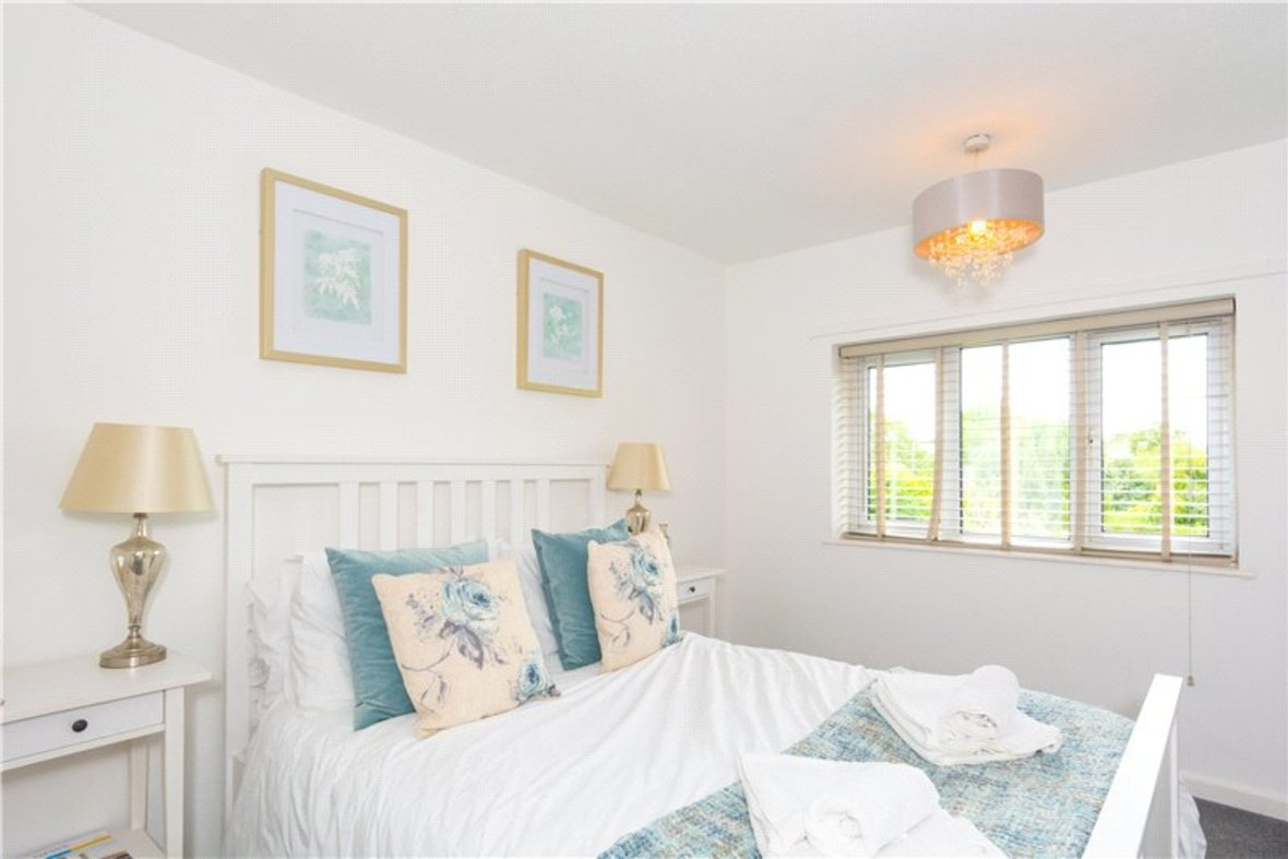 2 Bedroom House For Sale in Drakes Drive, St Albans City, St Albans - View 4 - Collinson Hall