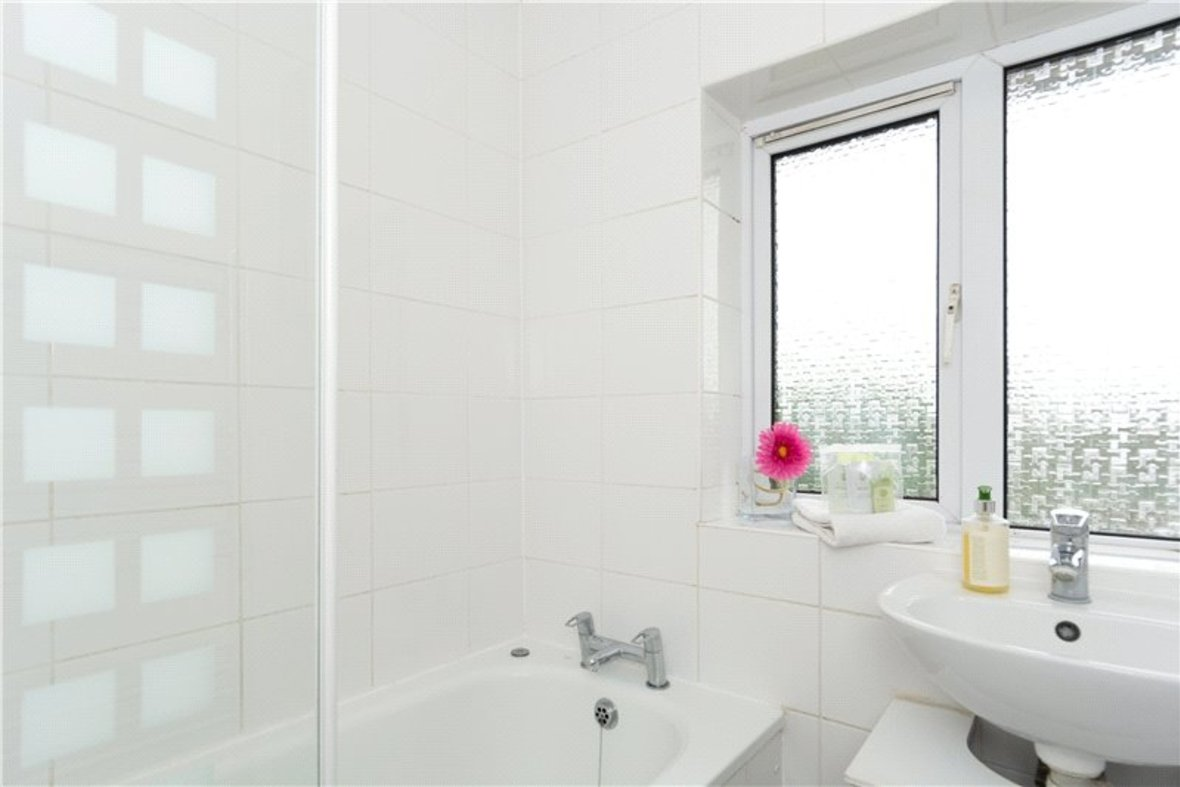 2 Bedroom House For Sale in Drakes Drive, St Albans City, St Albans - View 7 - Collinson Hall